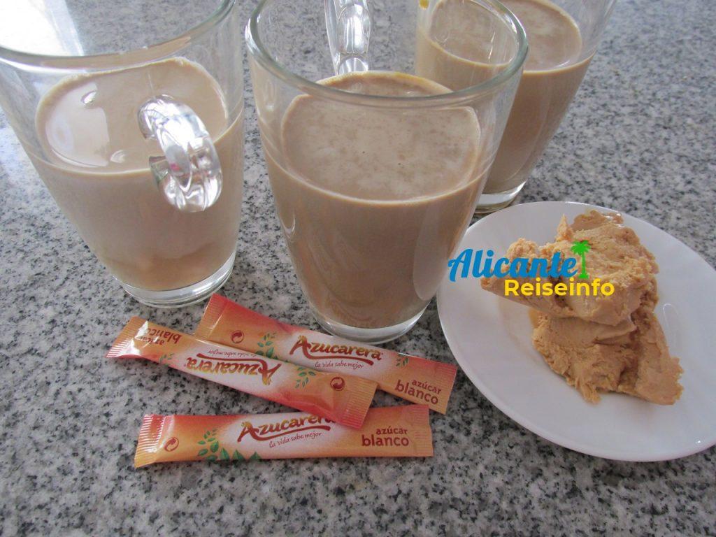 Alicantinischer Eiskaffe mit Turrón-Eis